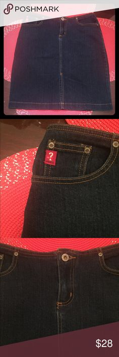 "Guess Women's Vintage Jean Skirt Women's Guess Vintage Stretch Jean Skirt Size 28"" Excellent Condition 3 Pockets in the front, 2 in the back with the classic Guess logo.. Slit in the middle of the skirt as pictured.. Length from waist 21"" Approximately hits a little above the knee.. Size 28""  Pet and Smoke free home Pictures and Video are taken for my protection and buyer Guess Skirts"