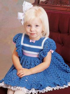 Adorable dress - would use lighter weight yarn