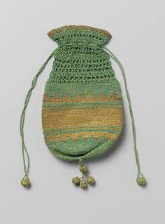 Buidel van gehaakte groene zijde, afgewisseld met banen van gehaakt gouddraad, anoniem, ca. 1840 - ca. 1850