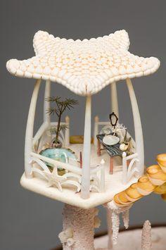 peter-gabriel-miniature-mermaid-dollhouse4  The bath, look at that tub!