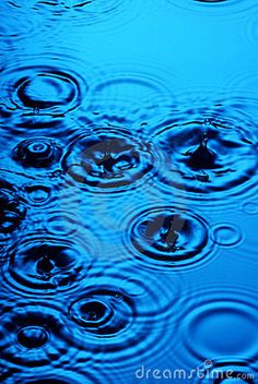 5. The color I just can not get enough of lately.....blue..... water and raindrops.  #bareMinerals #READYtowin