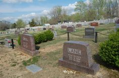 laura ingalls wilder grave | All three of them – Almanzo, Laura, and Rose (who married, had a ...