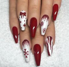 36 Beautiful And Stylish Christmas Stiletto Nail Art Designs; Christmas nail art 36 Beautiful And Stylish Christmas Stiletto Nail Art Designs; Red Nail Designs, Christmas Nail Art Designs, Best Nail Art Designs, Acrylic Nail Designs, Christmas Design, Easy Designs, Acrylic Art, Cute Christmas Nails, Xmas Nails