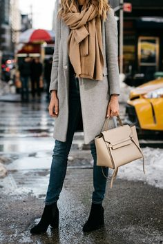 Discover this amazing outfit ideas for Autumn and cold weather seasons with the classy fall outfit ideas with boots. This classy fall outfits you will Fall Winter Outfits, Autumn Winter Fashion, Dress Winter, Winter Style, Fall Fashion, Winter Clothes, Winter Wear, Summer Outfits, Blusas Oversized