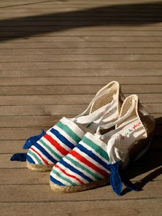 Hand painted stipes with felt fishes. Beautifull espadrilles Fish and Chic 2012 by La Casa de la Playa