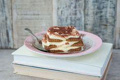 Tiramisu met speculaas en advocaat à la minute Pudding Desserts, Mini Desserts, Dessert Recipes, Cooking Recipes, Healthy Recipes, Healthy Food, Christmas Brunch, Food And Drink, Sweets