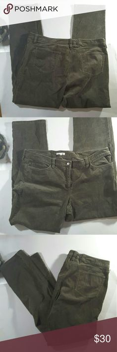 Eileen fisher Quarterly green pants 30.5 inseam 9.5 rise 36 inche waste Eileen Fisher Pants Straight Leg