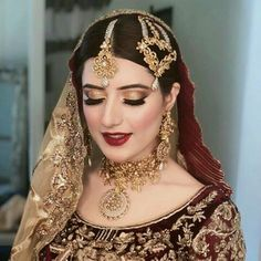 Tips For Planning The Perfect Wedding Day – Cool Bride Dress Bridal Makeup Looks, Bridal Hair And Makeup, Bridal Looks, Bridal Style, Pakistani Bridal Makeup, Pakistani Wedding Outfits, Indian Bridal Fashion, Pakistani Couture, Bridal Outfits
