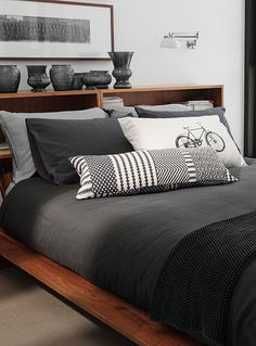 """Exclusively from Simons Maison Beautiful modern solid cotton fabric to decorate the room with a slightly brushed finish for an ultra soft and comfortable texture. The set includes: Twin: 1 duvet cover 66"""" x 90"""", 1 pillow sham 20"""" x 26"""" Double: 1 duvet cover 84"""" x 90"""", 2 pillow shams 20"""" x 26"""" Queen: 1 duvet cover 90"""" x 95"""", 2 pillow shams 20"""" x 30"""" King: 1 duvet cover 108"""" x 95"""", 2 pillow shams 20"""" x 36"""""""