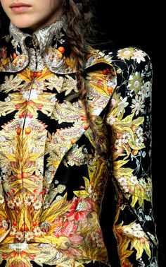 Alexander McQueen - floral baroque style. Sophie Power Board / #riverislandbaroque