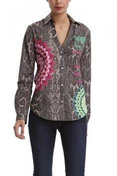 Extravagantná dámska košeľa s dlhým rukávom značky Desigual.