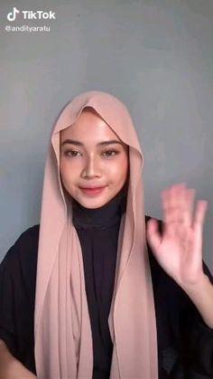 Stylish Hijab, Modest Fashion Hijab, Muslim Fashion, Hijab Turban Style, Mode Turban, Simple Hijab Tutorial, Hijab Style Tutorial, Pashmina Hijab Tutorial, Turban Tutorial