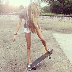 Love the golden blonde color, and this is a perfect example you can be a skater and still be girly.