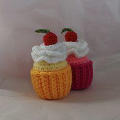 Patrón gratis. Amigurumi de un delicioso cupcake. ¡Aprende a tejer con los patrones gratuitos de Xicotet!