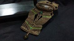 Bracelete em macrame com cristal rutilado e jaspe verde. http://www.elo7.com.br/terral