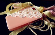 Such a pretty iPhone case.