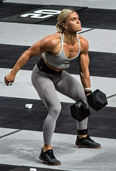 Female Crossfit Athletes, Crossfit Women, Female Athletes, Crossfit Photography, Vaquera Sexy, Sixpack Workout, Fitness Motivation Pictures, Muscular Women, Muscle Girls