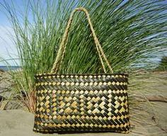 Wildsands Weaving NZ flax basket (kete)