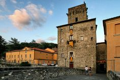 Pontremoli Lunigiana Tuscany: La Torre di Bustica ed il Teatro della Rosa. By LorenzpuntoG
