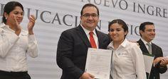 Duarte de Ochoa confirmó que durante el ciclo escolar 2014-2015 continuará la incorporación de más docentes normalistas al servicio educativo, para ocupar las plazas que resulten vacantes y garantizar la atención inmediata a cargo de profesionales certificados.