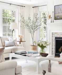 Living Room Interior, Home Living Room, Home Interior Design, Living Room Designs, Living Room Decor, Home Decor Styles, Cheap Home Decor, Home Decor Accessories, Kitchen Keeping Room