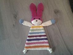 Ravelry: Wilfi & # s Stoffpuppe Hase - amigurumi toys - Crochet Baby Cardigan Free Pattern, Crochet Lovey, Crochet Baby Toys, Easter Crochet, Crochet Bunny, Knit Or Crochet, Cute Crochet, Crochet Animals, Crochet Dolls