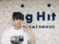 BTS tweet - Jin (selca) 150304