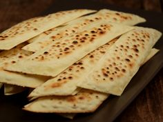 Chipsurile bunicii Romania Food, Chips, Food And Drink, Pizza, Bread, Ethnic Recipes, Drinks, Random, Romanian Food