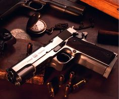 Double Barrel Pistol.. I WANT ONE!!! I would surely be able to hit someone robbing us!!