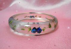 Dried Flower Bangle - Vintage Lucite Bangle Bracelet - Clear Lucite - Dried Flowers - Blue Flower Bracelet - Retro Lucite Flower Bangle by LunaJunctionVintage on Etsy
