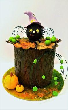 Beware of green spiders ❣ - cake by Clara Halloween Cakes, Happy Halloween, Halloween Decorations, Wedding Decorations, Cute Cupcakes, Cute Cookies, Cupcake Cookies, Spider Cake, Fall Cakes