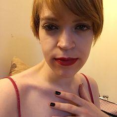 #셀스타그램 #얼스타그램 #셀카 #셀피 #메이크업 #소통 #맞팔 #선팔 #일상 #인친 #데일리 #짧은머리 #redlips #red #maccosmetics #lipstick & #eyeliner #eyeshadow #shorthair #redhair #blueeyes #feelgood #happy #행복 #좋아요 #frenchgirl #france #paris http://ameritrustshield.com/ipost/1552682030364424223/?code=BWMPBSFAPgf