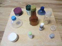 Nicht wahnsinnig hübsch, aber funktional und dem Kind macht es Spaß: Mein Montessori-inspiriertes Schraubspiel