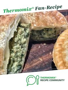 Recipe Spinach, bacon and cheese pies (pie-maker) by thermifyme, learn to make this recipe easily in your kitchen machine and discover other Thermomix recipes in Baking - savoury. Spinach Pie, Frozen Spinach, Spinach And Cheese, Frozen Puff Pastry, Cheese Pies, Food N, Quiches, 4 Ingredients, Pie Dish