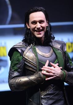 Tom Hiddleston- Loki Comic Con San Diego, having waaay too much fun