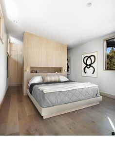 Providing a warm environment to enjoy the natural beauty of Martis Camp in California, Martis-Dunsmuir House is an inspiring contemporary getaway. Closet Bedroom, Cozy Bedroom, Modern Bedroom, Bedroom Wall, Master Bedroom, Bedroom Decor, Master Suite, Mirrored Bedroom, Bedroom Ideas