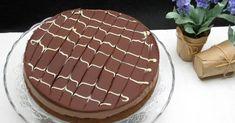 Una cheesecake de chocolate con base de galletas. ¡Y para prepararla no necesitas encender el horno! Una genial propuesta del blog FÁCIL CON BELA.