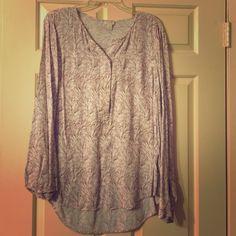 Jcrew Blouse Cute Jcrew blouse , XL, worn a few times, perfect work outfit ! J. Crew Tops Blouses
