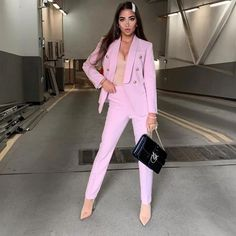 Costume Rose, Business Chic, Pink Suit, Elegantes Outfit, Elastic Waist Pants, Looks Chic, Sleeve Styles, Tweed, Cute Outfits