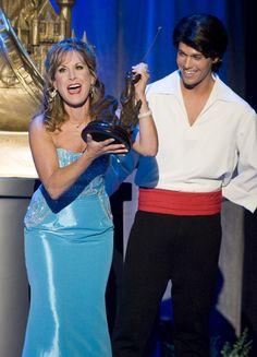 Jodi Benson accepting her Disney Legend Award.