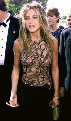 Jennifer Aniston of Friends at the 1999 Emmy Awards held in Los Angeles CA Jennifer Anniston Angeles Aniston Awards Emmy Friends held Jennifer los Jennifer Aniston Style, Jennifer Aniston Pictures, 90s Hairstyles, Celebrity Hairstyles, Casual Hairstyles, Beautiful Models, Beautiful Celebrities, Jeniffer Aniston, Christina Milian