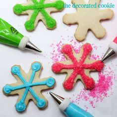 Snowflake Cookies  so simple and pretty  WOULD BE CUTE FOR A BIRTHDAY PARTY, IF GIRLS STILL PLAYED JACKS