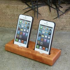 iPhone 5 Dual Docking Station 20% OFF the RETRO by SchuttenWorks
