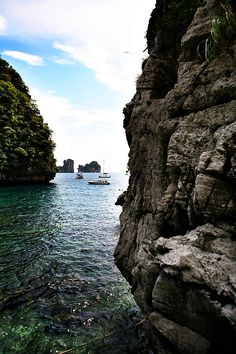Beautiful Beaches Around the World, Maya Bay, Ko Phi Phi, Thailand (10 Pictures)