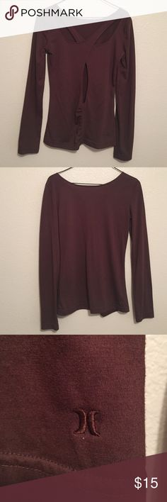 Back cutout Super cute and simple shirt. Back is cutout looks cute with jeans! Hurley Tops Tees - Long Sleeve