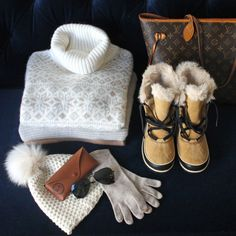 what to pack for a ski trip aspen — bows & sequins Apres Ski Mode, Mode Au Ski, Apres Ski Party, Apres Ski Boots, Ski Fashion, Look Fashion, Daily Fashion, Winter Travel Outfit, Winter Outfits