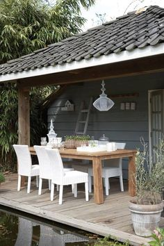 Leuk tuinhuis met overkapping