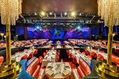 The Lido, the famous Paris cabaret, welcomes you to a luxurious setting in the very heart of Paris for an exceptional dinner show. Cabaret, Lido De Paris, Saint Sylvestre, Paris By Night, 42nd Street, Theatres, Catwalks, World, Restaurants