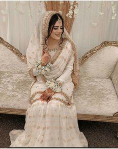 Asian Bridal Dresses, Pakistani Wedding Outfits, Indian Bridal Outfits, Pakistani Bridal Dresses, Pakistani Wedding Dresses, Pakistani Dress Design, Pakistani Shadi, Pakistani Bridal Couture, Asian Bridal Wear
