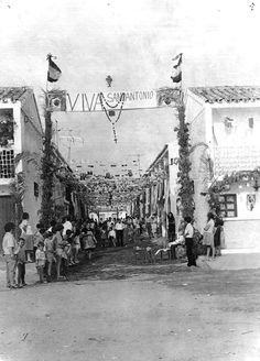 El 23 de diciembre de 1961, el Cardenal Bueno Monreal, inaugura la parroquia de San Antonio de Padua. El barrio aconteció una velada por aquel acontecimiento...